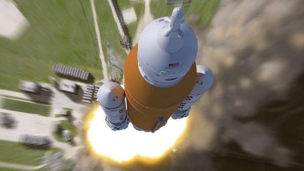 foguete que pode levar a primeira mulher à Lua