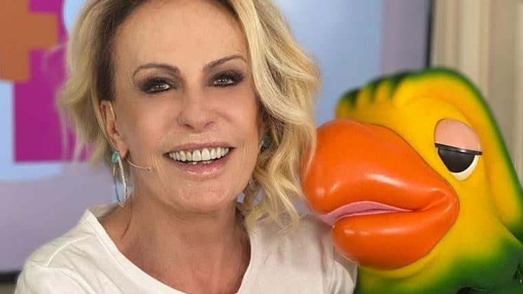 Ana Maria Braga e mais famosos prestam homenagem a Tom Veiga, o Louro José