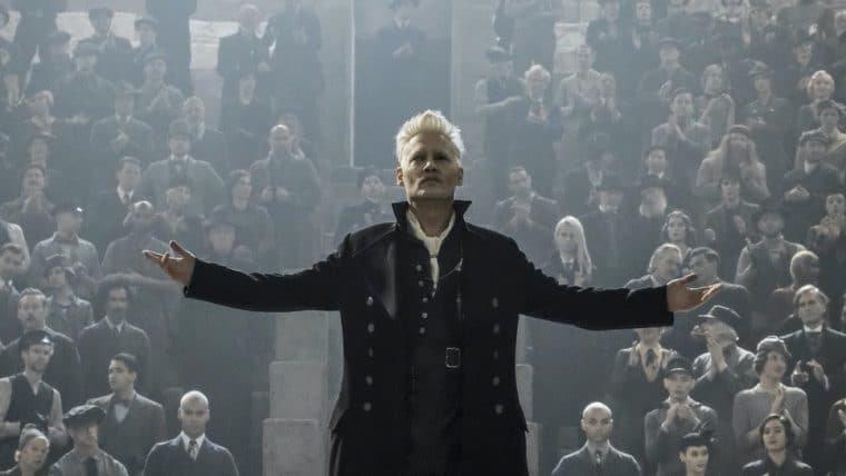 Demitido de Animais Fantásticos 3, Johnny Depp receberá o salário integral pelo filme