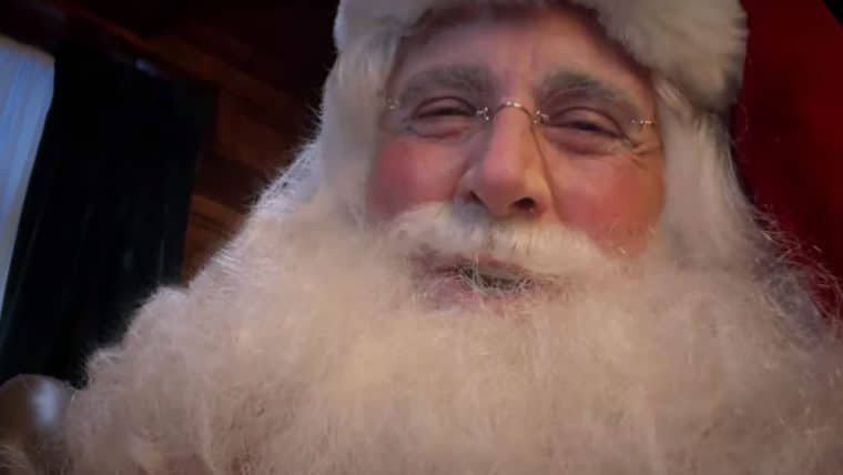 Steve Carell vira Papai Noel em divertido comercial; assista