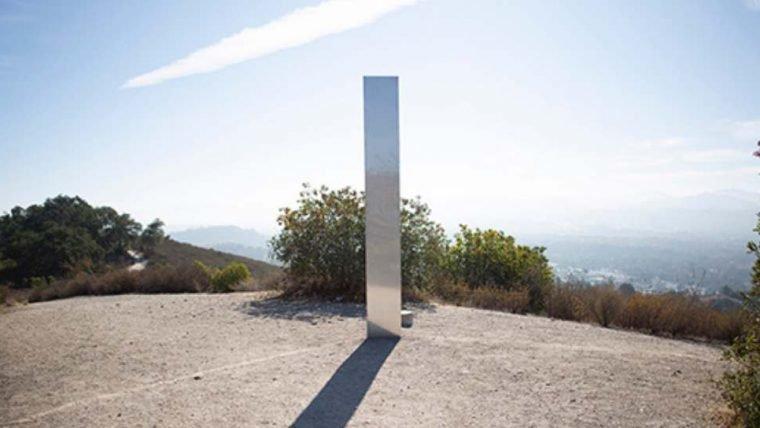 Novo monolito misterioso é encontrado na Califórnia