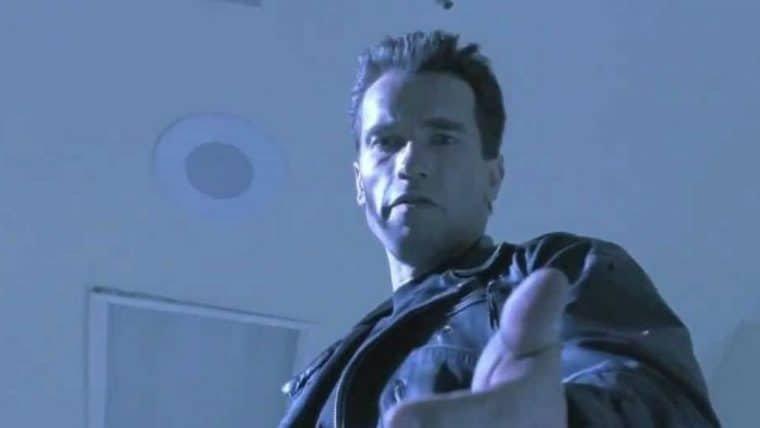 Schwarzenegger se vacina contra COVID-19 e incentiva fãs a fazerem o mesmo