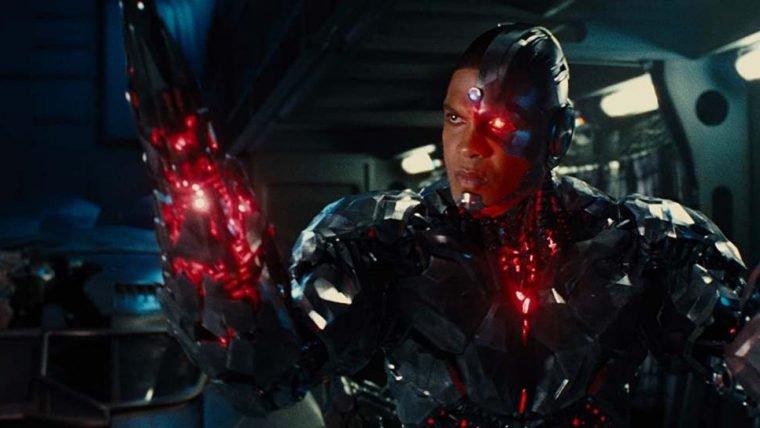 Ciborgue deve ser cortado de The Flash e roteiro será reescrito, diz site