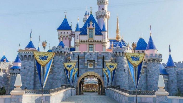 Disneyland vai virar ponto de vacinação contra COVID-19 nos Estados Unidos