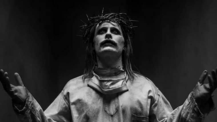 Coringa aparece como Jesus Cristo em imagem do Snyder Cut de Liga da Justiça