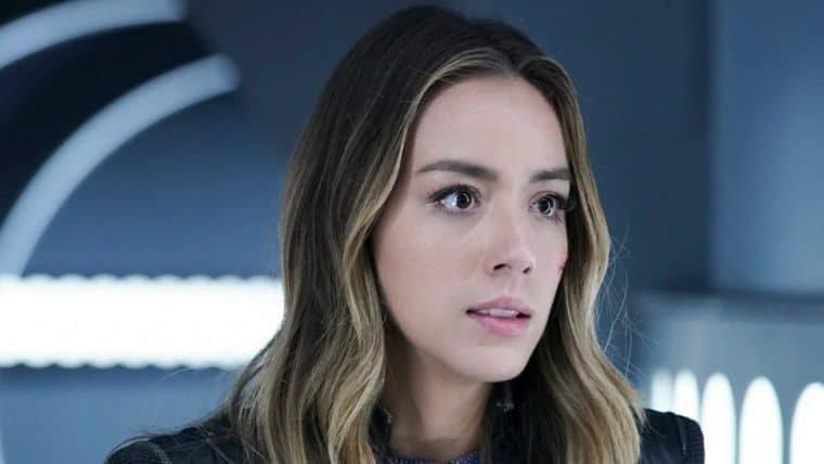 Chloe Bennet muda visual para ser a Florzinha no live-action de As Meninas Superpoderosas