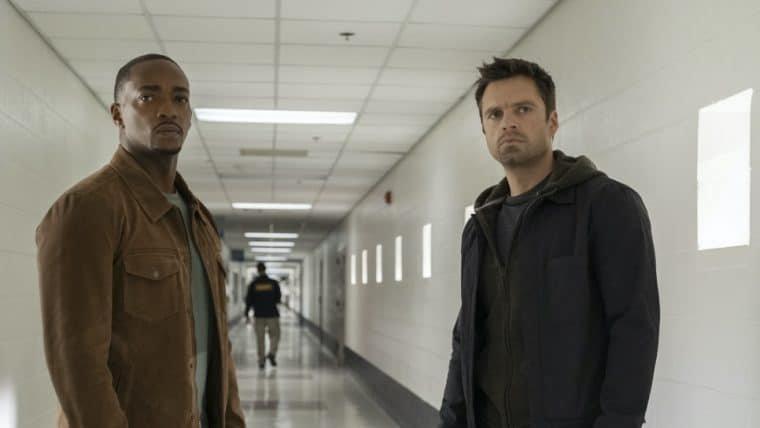 Ator de Falcão e o Soldado Invernal compara novo personagem com o Capitão América
