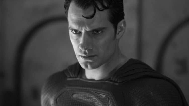 Henry Cavill parabeniza Zack Snyder e publica fotos dos bastidores de Liga da Justiça