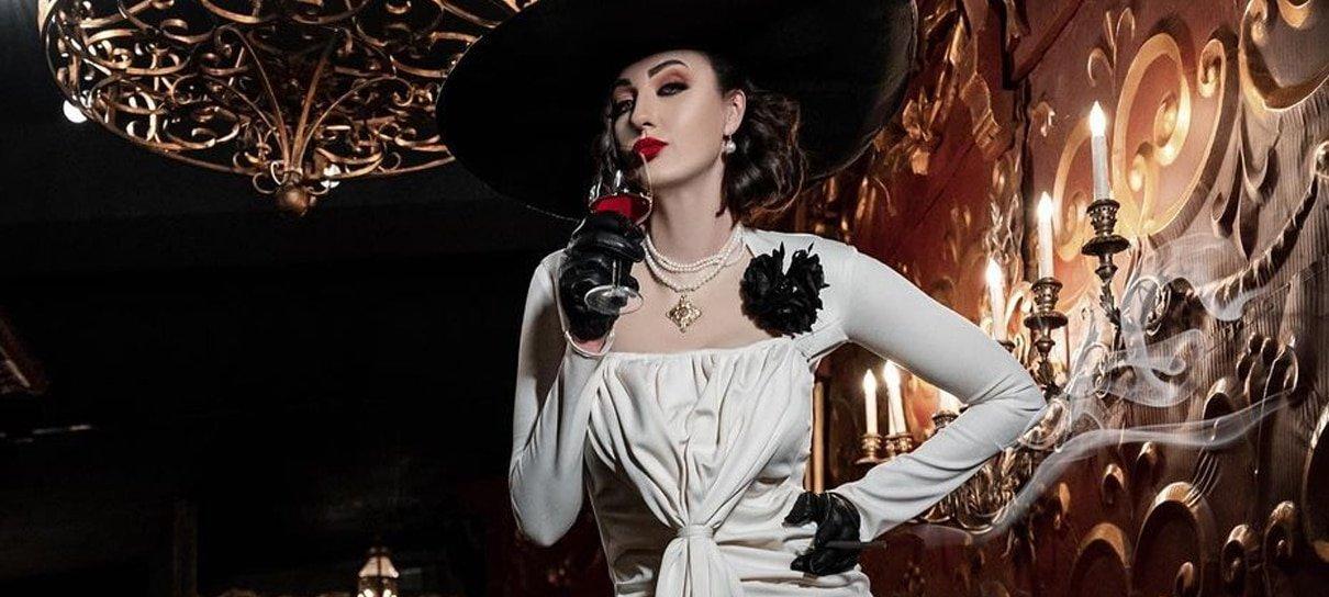 Modelo mais alta do mundo faz cosplay de Lady Dimitrescu, de Resident Evil Village