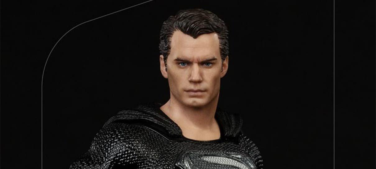 Iron Studios lança colecionável do Superman com o uniforme preto do Snyder Cut