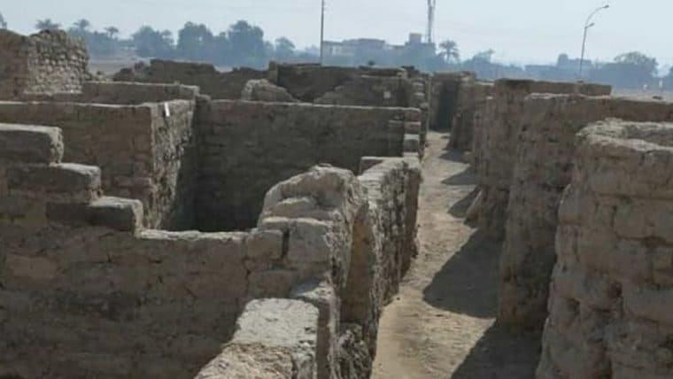 Cidade faraônica é descoberta no Egito, após mais de 3000 anos escondida