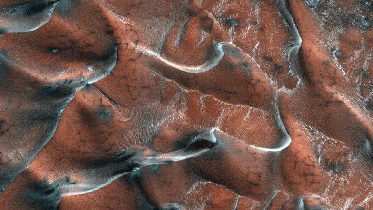 NASA publica foto de dunas congeladas em Marte