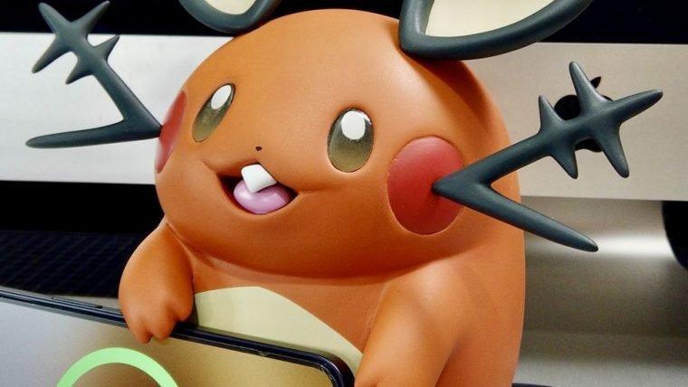 Fã de Pokémon cria carregador de celular de Dedenne