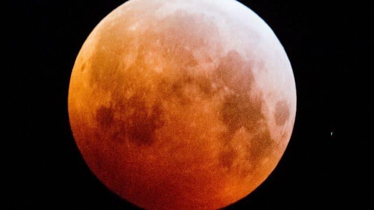 Eclipse lunar total e maior superlua de 2021 acontecem nesta quarta (26)