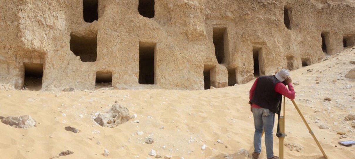 Mais de 250 tumbas foram descobertas no Egito por acidente