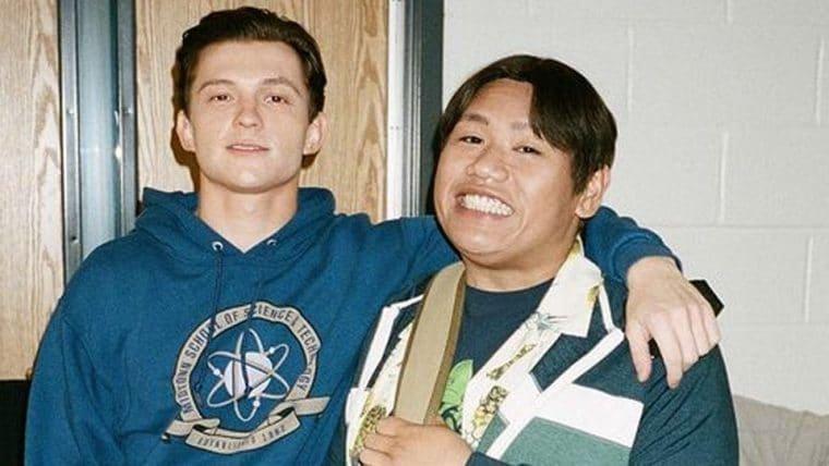 Homem-Aranha 3: Peter Parker e Ned são dupla inseparável em fotos de bastidores