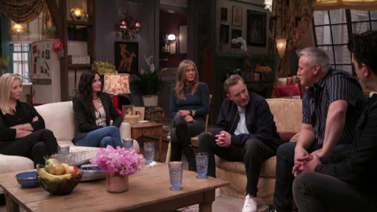 """Jennifer Aniston afirma que reunião de Friends foi """"boa e de partir o coração"""""""