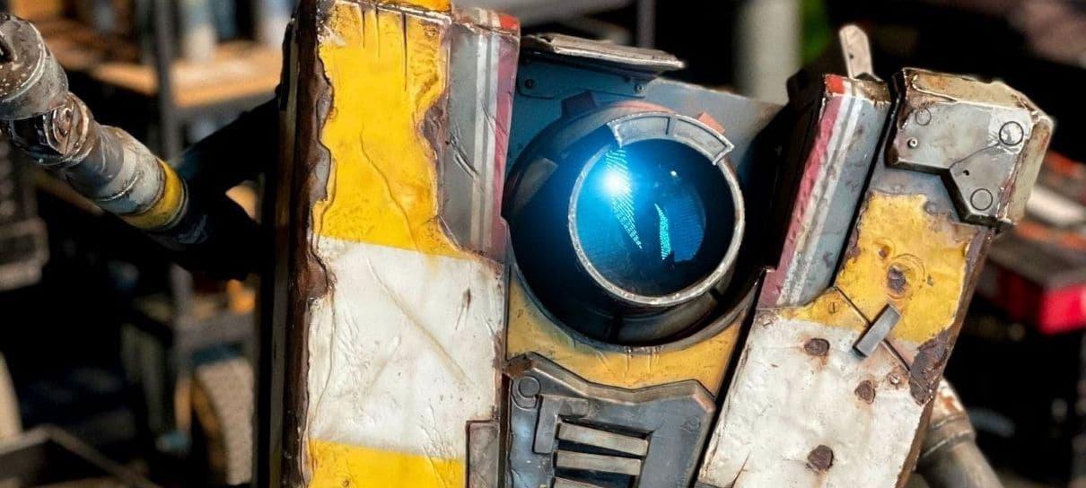 Visual do Claptrap é revelado em foto dos bastidores do filme de Borderlands
