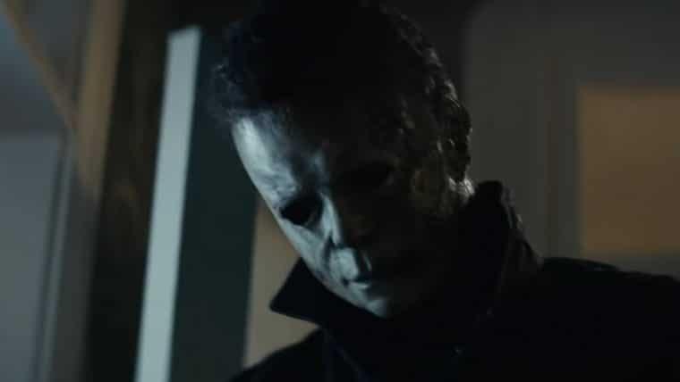 Cidade se une para caçar Michael Myers no trailer de Halloween Kills: O Terror Continua