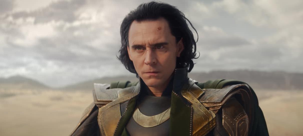 Loki retorna ao MCU de forma triunfal em primeiro episódio divertido, caótico e comovente