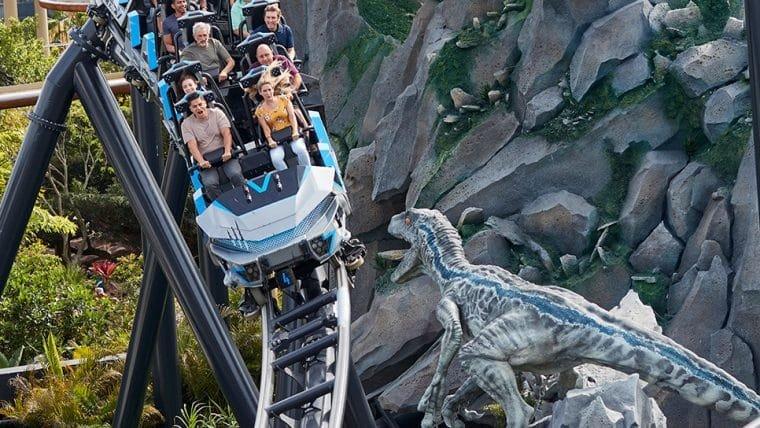 Montanha-russa Jurassic World VelociCoaster é aberta ao público no Universal Orlando Resort