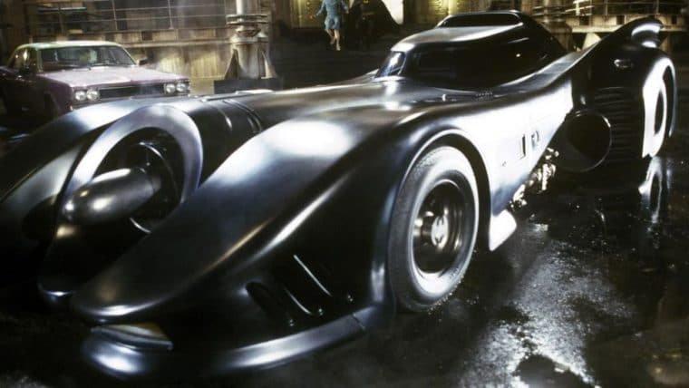 Fotos dos bastidores de The Flash mostram retorno do batmóvel de Michael Keaton