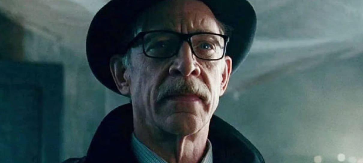 J. K. Simmons está negociando para voltar a viver Gordon em filme de Batgirl, diz site