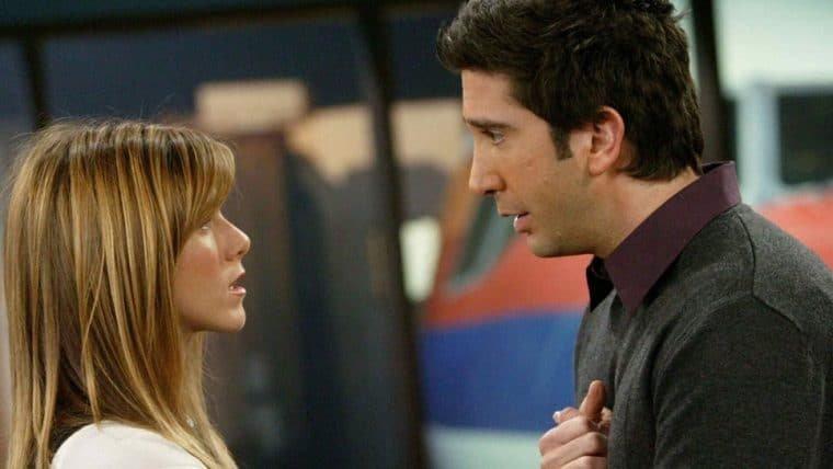 Jennifer Aniston e David Schwimmer desmentem boatos sobre relacionamento