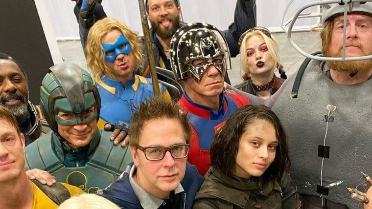 James Gunn se reúne com elenco de O Esquadrão Suicida em foto de bastidores; veja