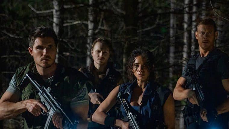 Nova foto de Resident Evil: Bem-Vindo a Raccoon City reúne Chris, Brad, Jill e Wesker