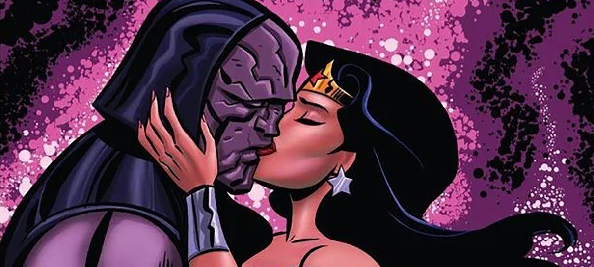 Mulher-Maravilha e Darkseid se beijam em capa de nova HQ