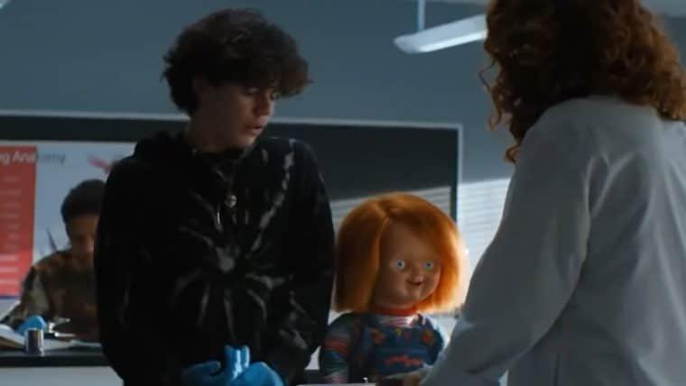 Brinquedo Assassino disseca sapo em cena da série Chucky; veja