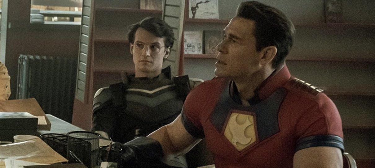 Série do Pacificador apresenta novo herói da DC em foto inédita; veja