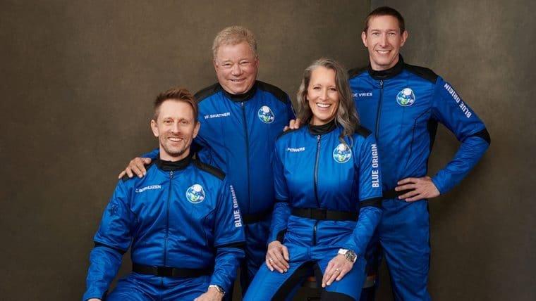 William Shatner vai ao espaço em foguete da Blue Origin - confira como foi