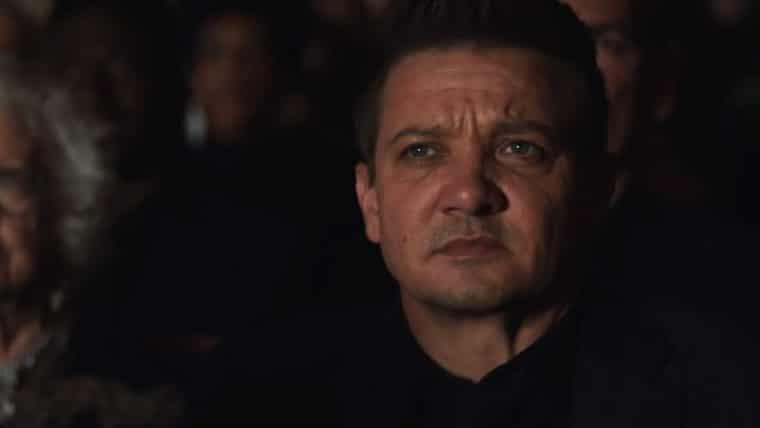 Gavião Arqueiro combate a máfia e assiste musical dos Vingadores em novo teaser da série