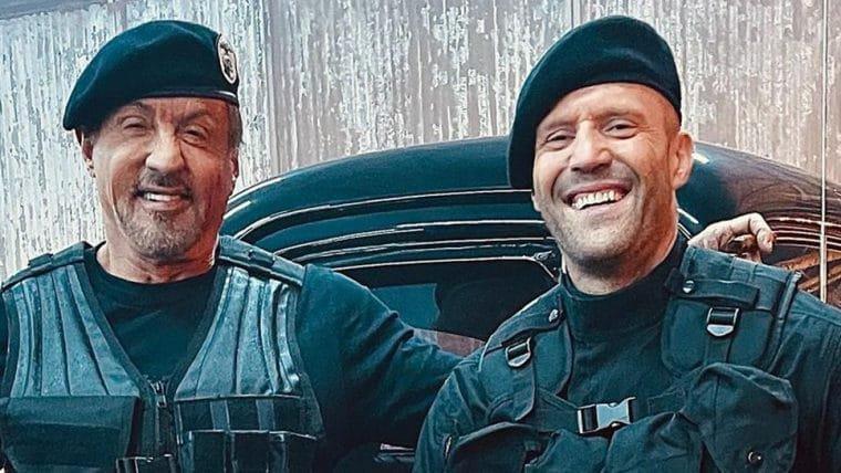 Sylvester Stallone e Jason Statham se divertem nos bastidores de Os Mercenários 4