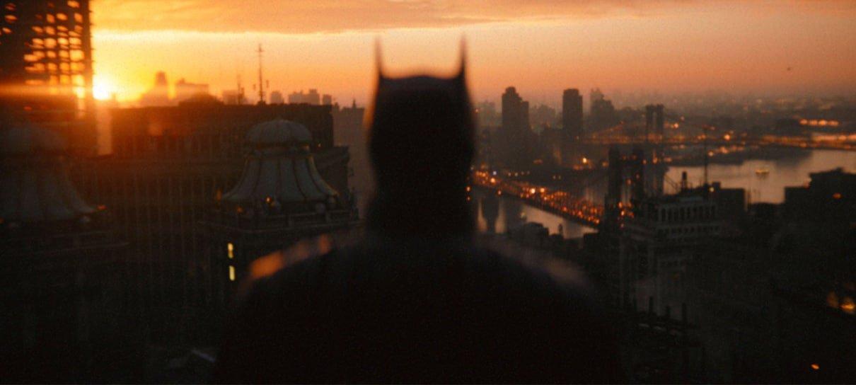 Homem-Morcego encara Gotham em nova foto de Batman