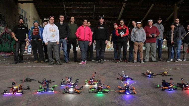 Disputar corrida com Drones é INSANO!