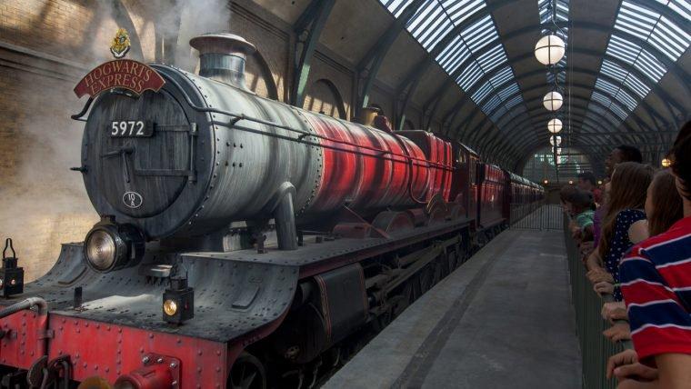 Passeio pela aldeia de Hogsmeade - O Mundo Mágico de Harry Potter