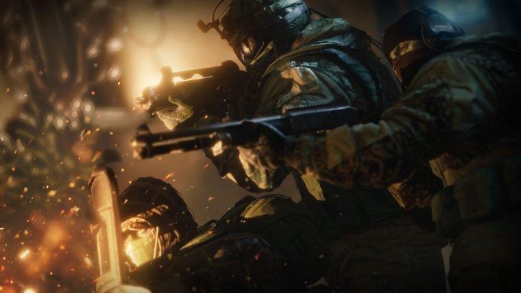 Trailer destaca as vantagens de jogar Rainbow Six Siege no PC