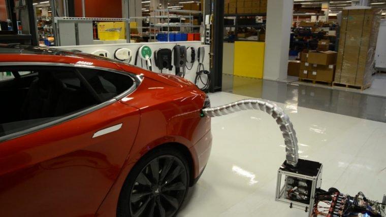 Projeto da Tesla parece um protótipo do Dr. Octopus