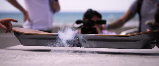 A Lexus construiu um hoverboard de verdade (de verdade mesmo!)
