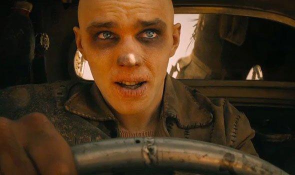 Nicholas Hoult fala sobre Nux, em Mad Max: Estrada da Fúria