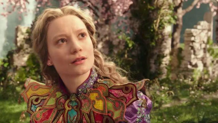 Alice Através do Espelho | O tempo está confuso neste trecho do filme
