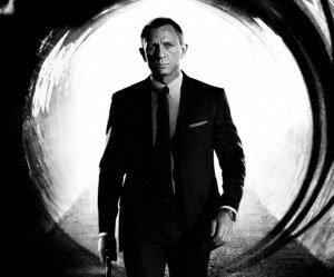 007 - Operação Skyfall ganha pôster e trailer