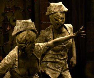 Ataque de enfermeiras em cena de Terror em Silent Hill: Revelação!