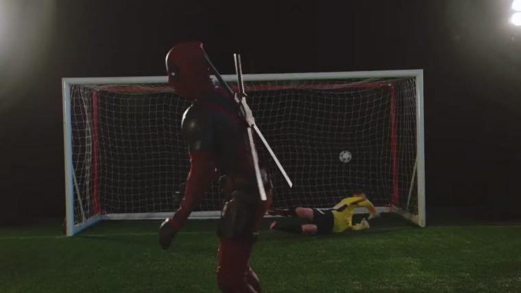 Deadpool também entende de futebol