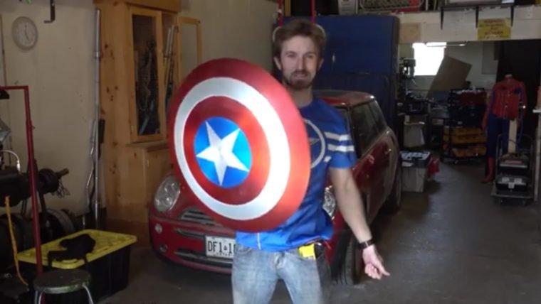 Réplica do escudo do Capitão América funciona de verdade graças ao poder dos ímãs