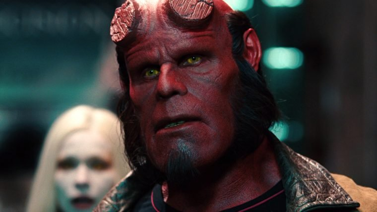 [SDCC] Ron Perlman afirmou que deve aos fãs a conclusão da trilogia Hellboy