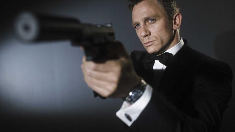 007   Ofereceram US$150 milhões para Daniel Craig reprisar o papel